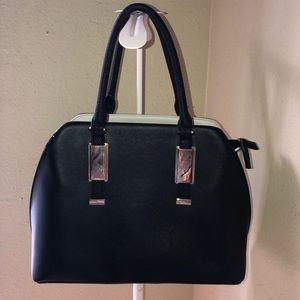 Modismo  black tote hand bag